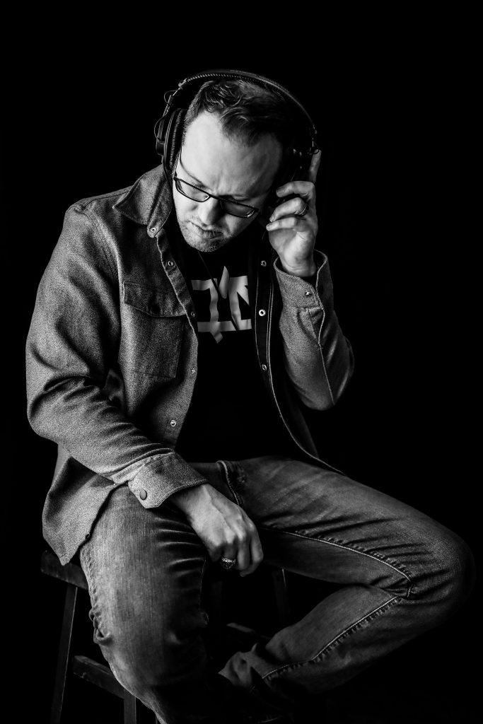 Guitaa Artist Centerstage - Eric Remington