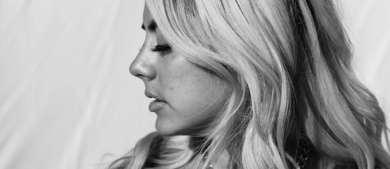 Marilyn Hucek - What?(Guitaa Music Review)